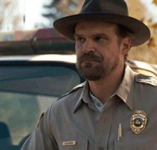 Stranger Things 4: il personaggio di Jim Hopper ha ancora tanto da rivelare
